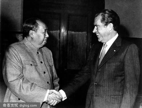 [原]尼克松访华趣闻:学用筷子总理拍板送大熊猫! - 天空星星 - 天空星星的博客小屋