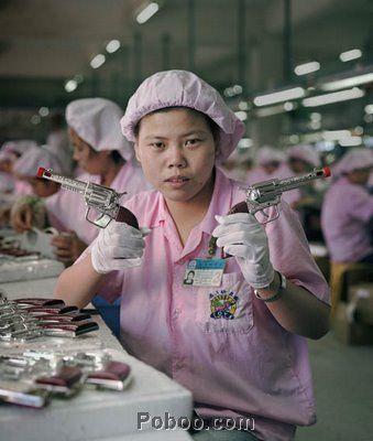 看看这组中国工厂女工的照片