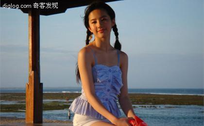 [多图]刘亦菲巴厘岛性感海滩照曝光